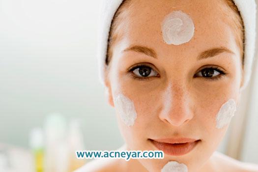 عدم استفاده از مرطوب کننده در پوست چرب